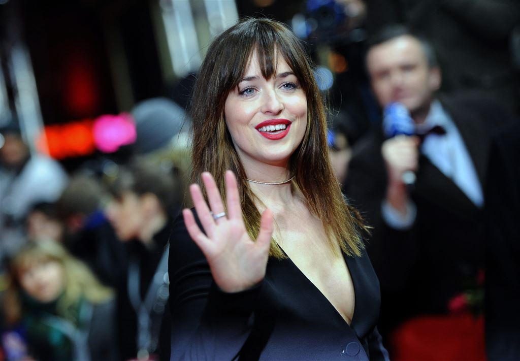 Kritiek op Dakota Johnson om IS-parodie