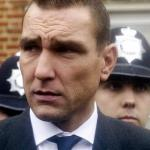 Vinnie Jones boos om hack